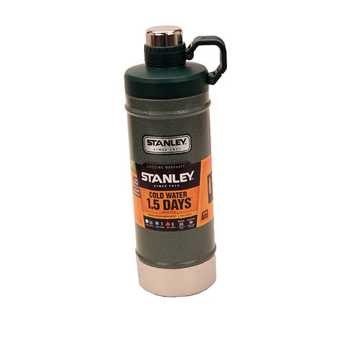 Stanley Classic Vacuum Water Bottle 21oz Grn 10-01620-001